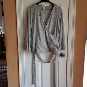 Light gray sweater polyester and spandex blouse